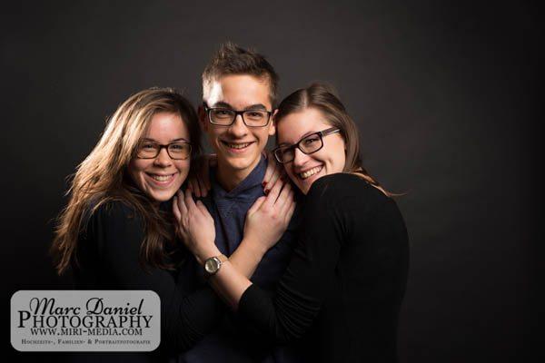 0231_GeschwisterfotoshootingVicyPfeil2015_MarcDanielPhotography